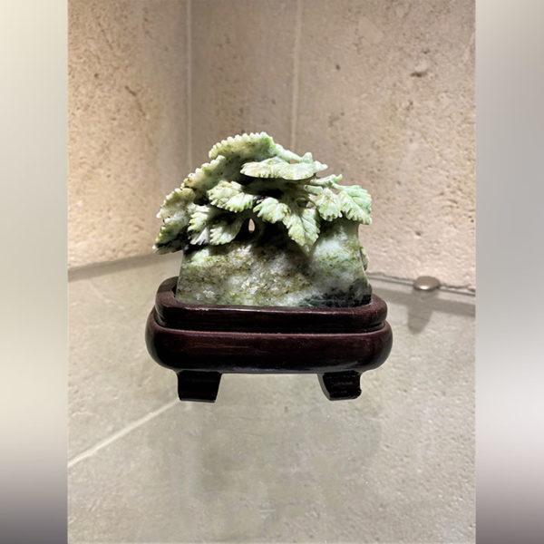 Jade floral chinois en honan bicolore