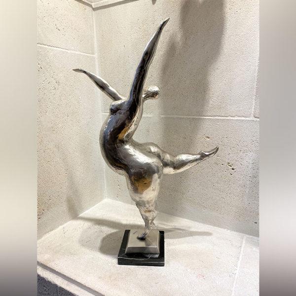 Statue femme en bronze argenté