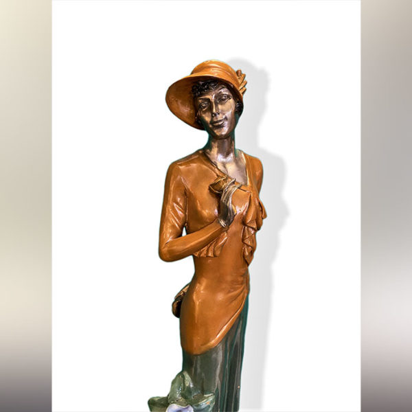 Statue femme en bronze polychrome